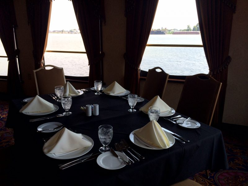 Paddlewheeler Creole Queen dining room