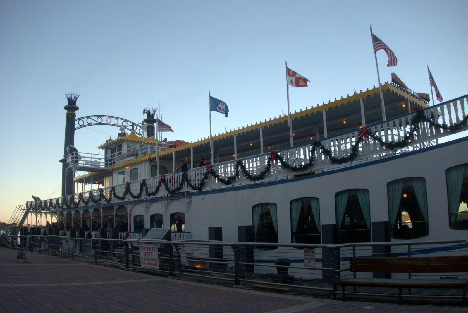 creole queen holiday cruise